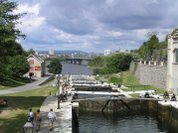 Big_hill_at_the_ottawa_locks_3